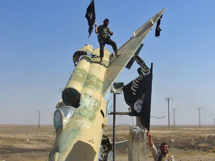 イスラム国、米軍駐留の空軍基地に攻撃開始 バグダッド間近まで迫る 勝利が続いたはずの13年、未だに抵抗するテロリスト達 defence houdouhigai international