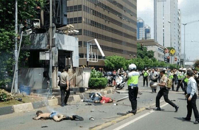 インドネシアでイスラム国がテロ 攻撃者4人含む7人死亡、自爆テロの模様 defence international