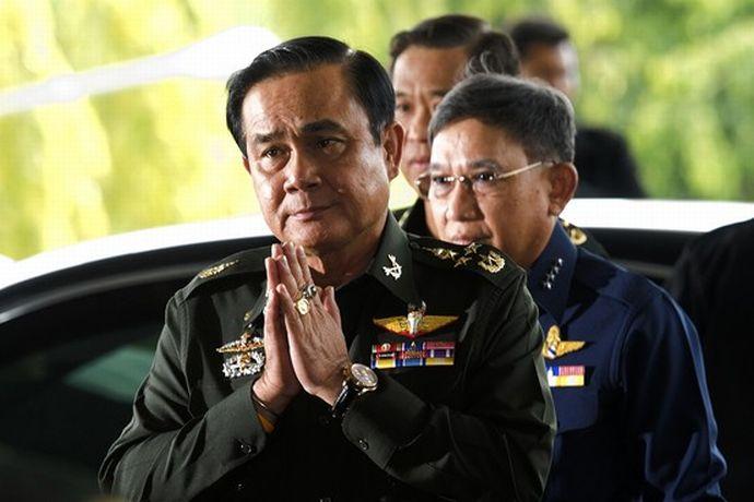 タイ内乱インラック首相ら評議会に出頭・身柄拘束クーデターは内戦に発達するか?非常事態、空路からの出国が出来ない場合の対処AtoZ saigai defence international