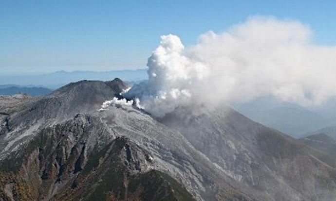 御嶽山噴火 死者複数の大規模事故に発展か?山頂付近で死亡目撃報告、30人以上が心肺停止 defence saigai