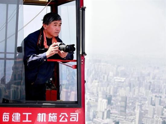 """驚愕画像""""クレーン操縦士が撮影したものすごい写真""""超高層ビル「上海中心」中国上海 浦東 %e9%87%91%e8%9e%8d%e3%83%bb%e5%b8%82%e6%b3%81 %e8%b5%b7%e6%a5%ad economy ajia %e6%b6%88%e8%b2%bb international"""