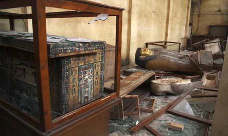 """民主主義で幸福になる中東の人々エジプト国民、ついに泥棒の自由もGET!""""国立博物館、紀元前の遺物丸ごと略奪騒乱に便乗、内外に衝撃"""" politics international jiken"""